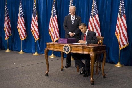 obama-signs-the-american-recovery-and-reinvestment-act-of-2009